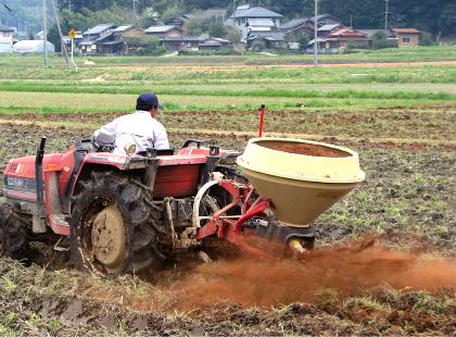 手間暇をかけて豆っこ肥料を使う理由